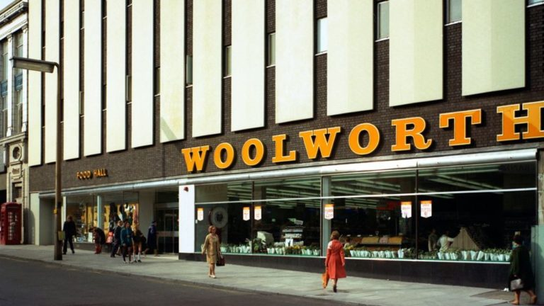 10 High Street stores of 1976 that have disappeared – BBC News