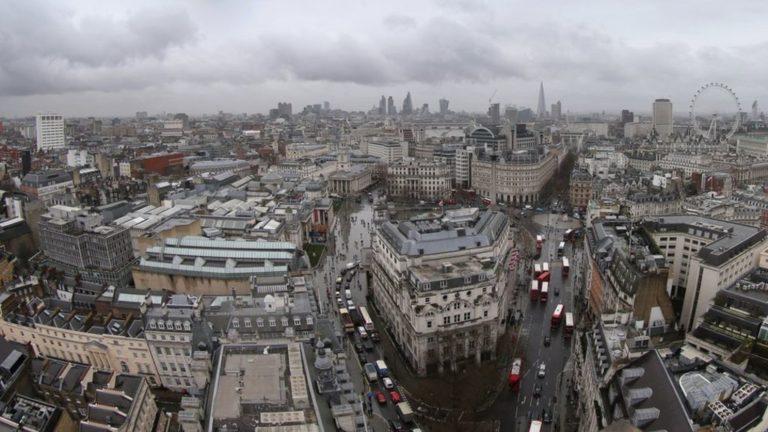 Brexit: Singapore bank UOB suspends London property loans – BBC News