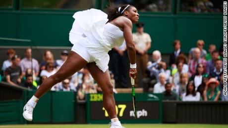 Wimbledon 2016: Serena Williams strolls on middle Sunday