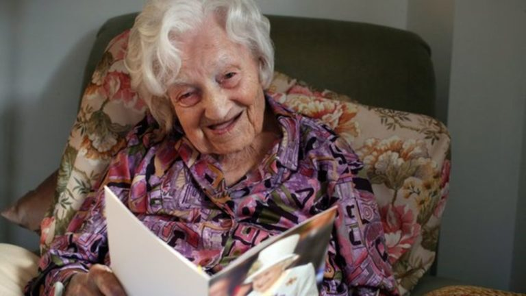 Funeral held on Isle of Wight for UK's oldest person – BBC News