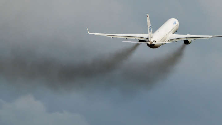 Its Time To Wake Up To The Devastating Impact Flying Has On The Environment
